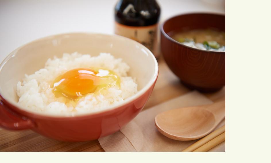 卵らんハウスの卵かけごはん(味噌汁&漬物付き300円)