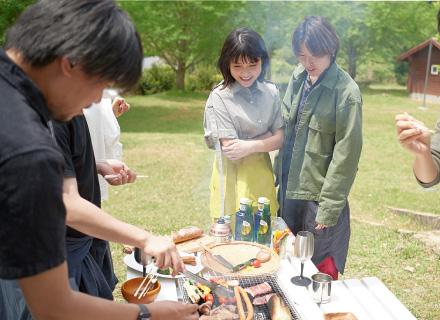 「お肉が美味しいとテンションがあがる♪」と嬉しそうな川島海荷さん