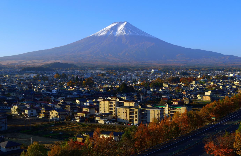 富士山の湧水を使って、千年以上昔から織物産業が営まれてきた富士吉田市