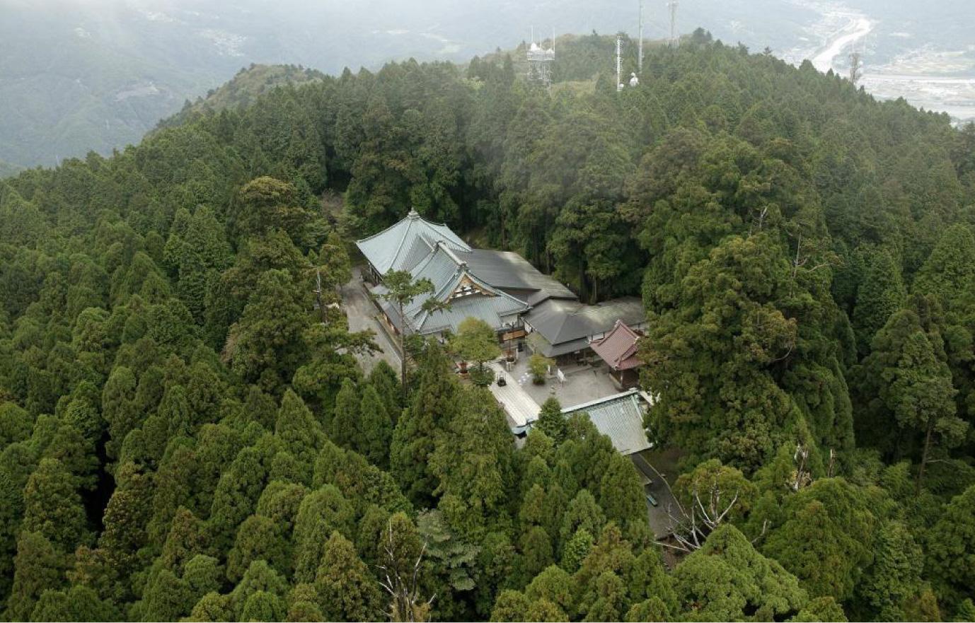 身延山山頂(標高1153m)にある奥之院思親閣