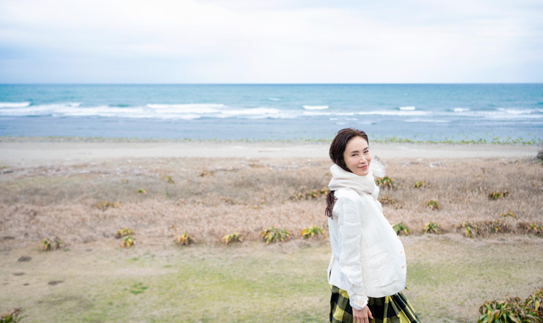 川南町を巡る山口紗弥加さん
