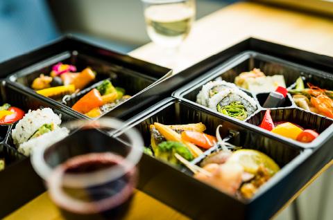 湯田中駅発の上り線車内で食べられる和食ダイニング「Japanese Dining GOEN」ののんびりべんと