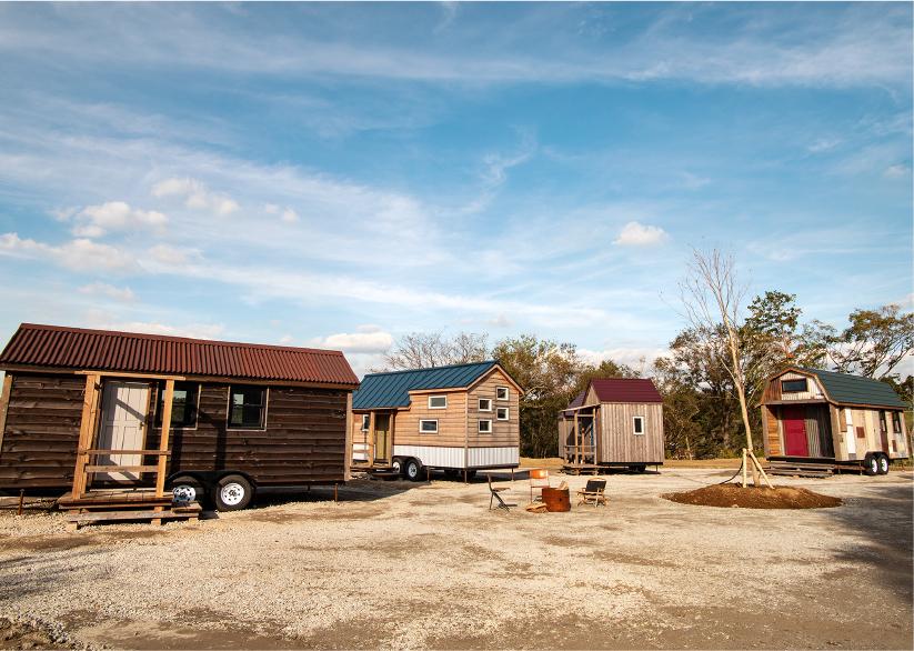 小さな家という意味を持つタイニーハウスは、アメリカ・ポートランドが発祥とされ、ミニマムな暮らしの象徴とされている