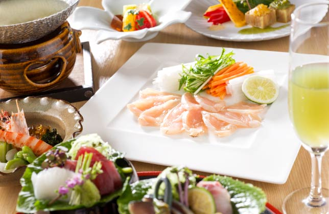 博多ならではの水炊きや旬の野菜を中心とした体に優しい滋養懐石