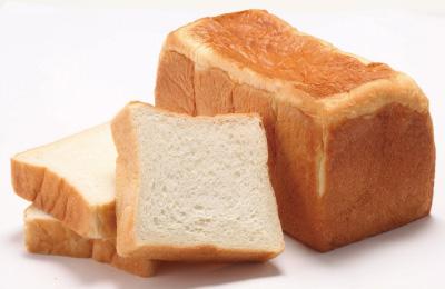 生食パン「狙いうち」 2斤で734円