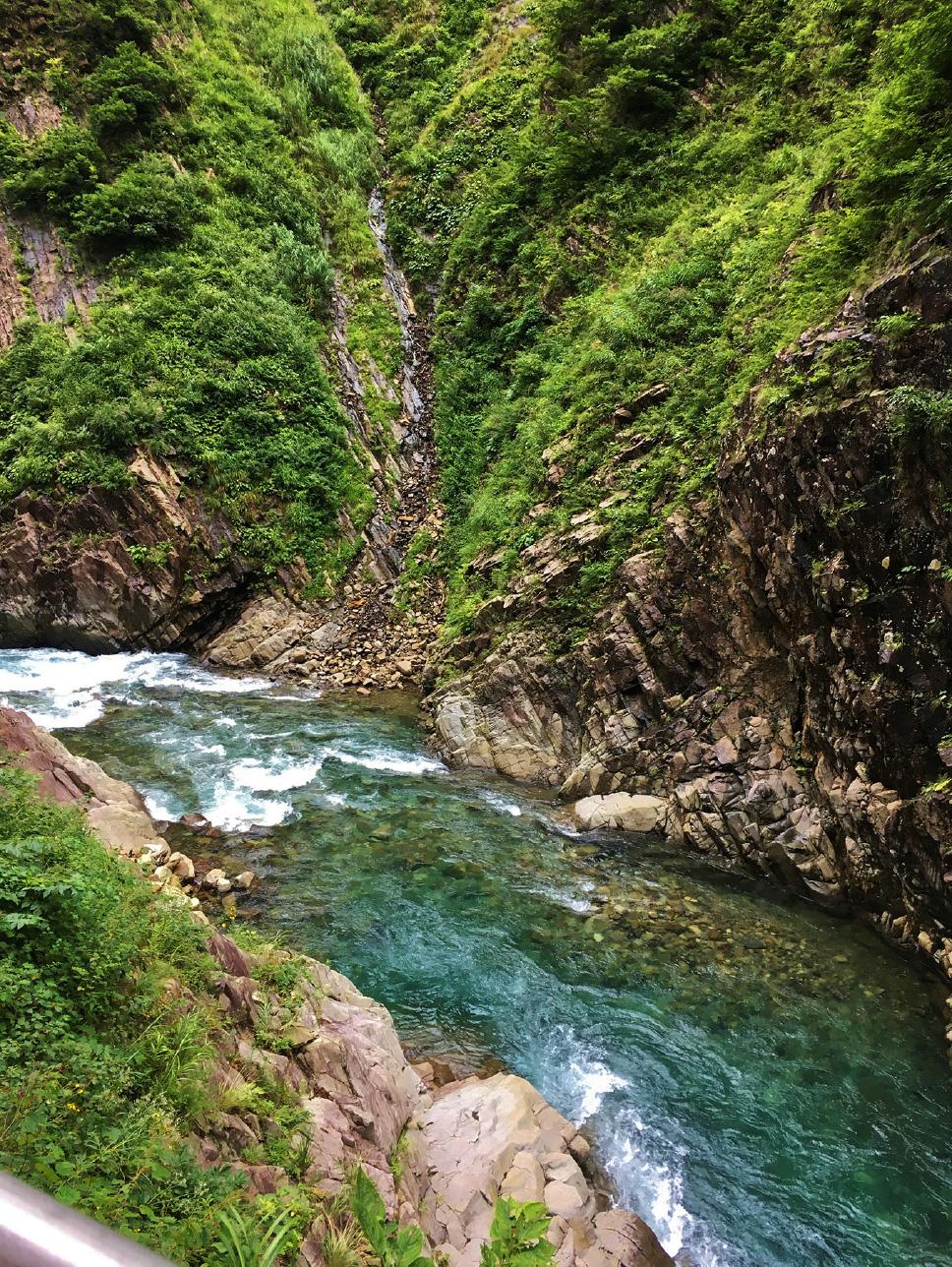 ダイナミックな峡谷を間近で体感