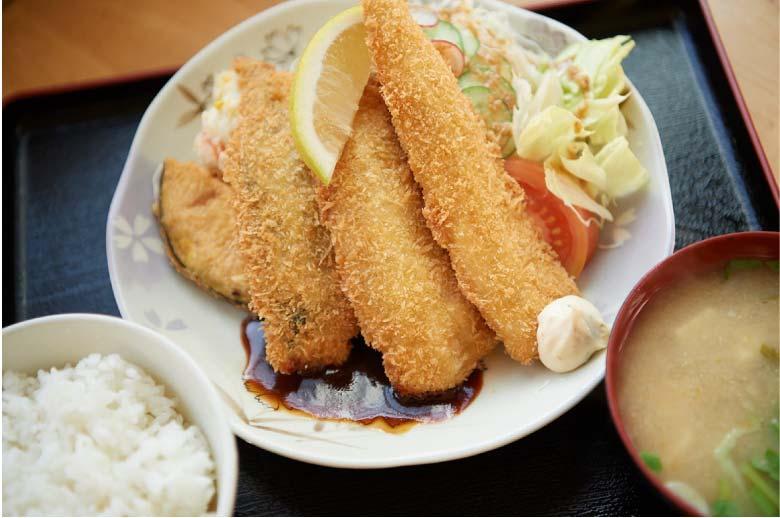 米沢食堂の魚フライ定食